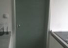 vrata sa spremištem u zidu