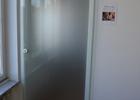 staklena vrata sa vidljivom vodilicom