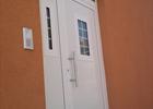 Bijela alu vrata sa nadsvjetlom
